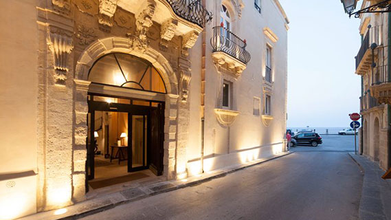 Clock PMS Suite independent hotel clients: Algila Ortigia and Roma hotels